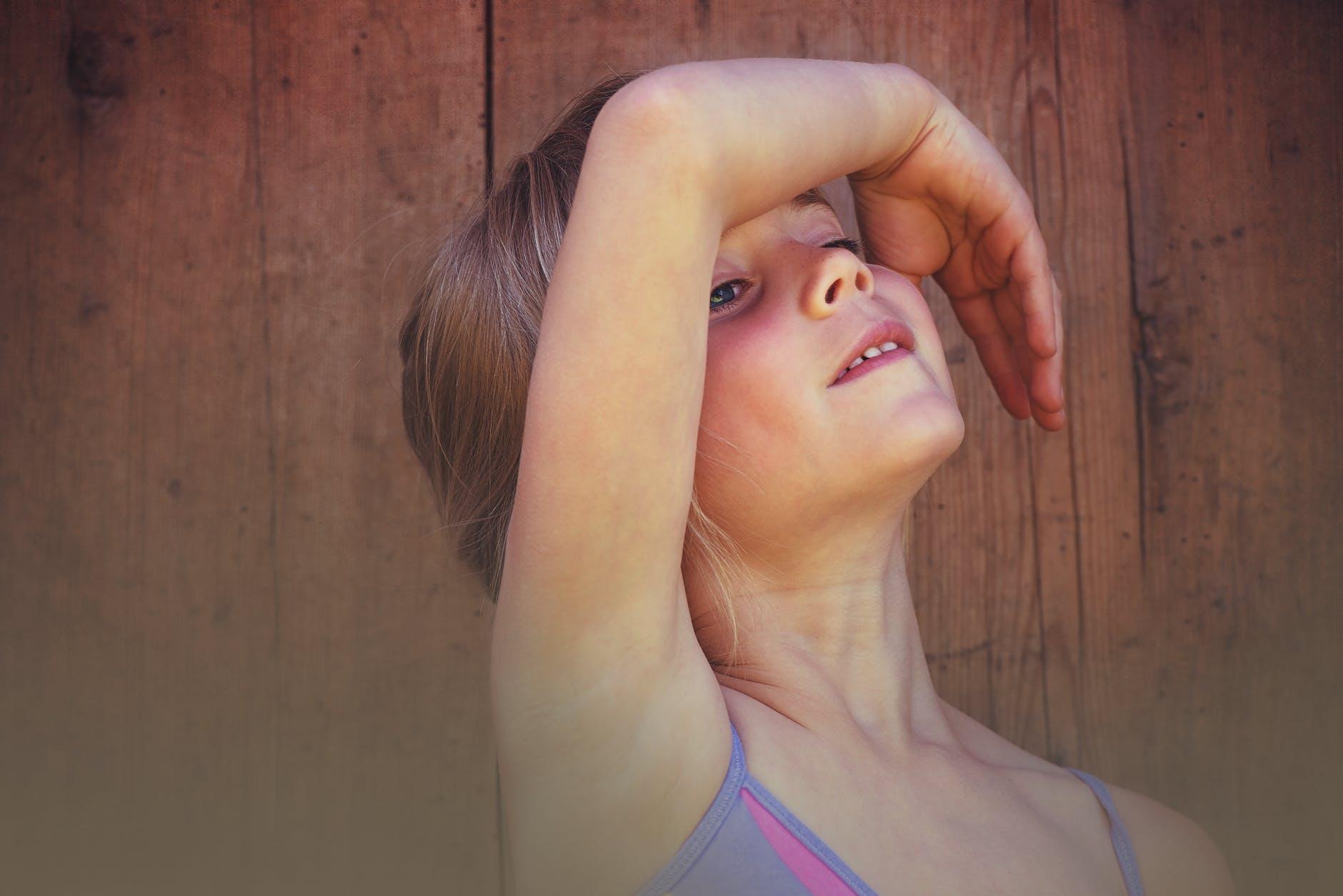 bailarina bailando en albitana