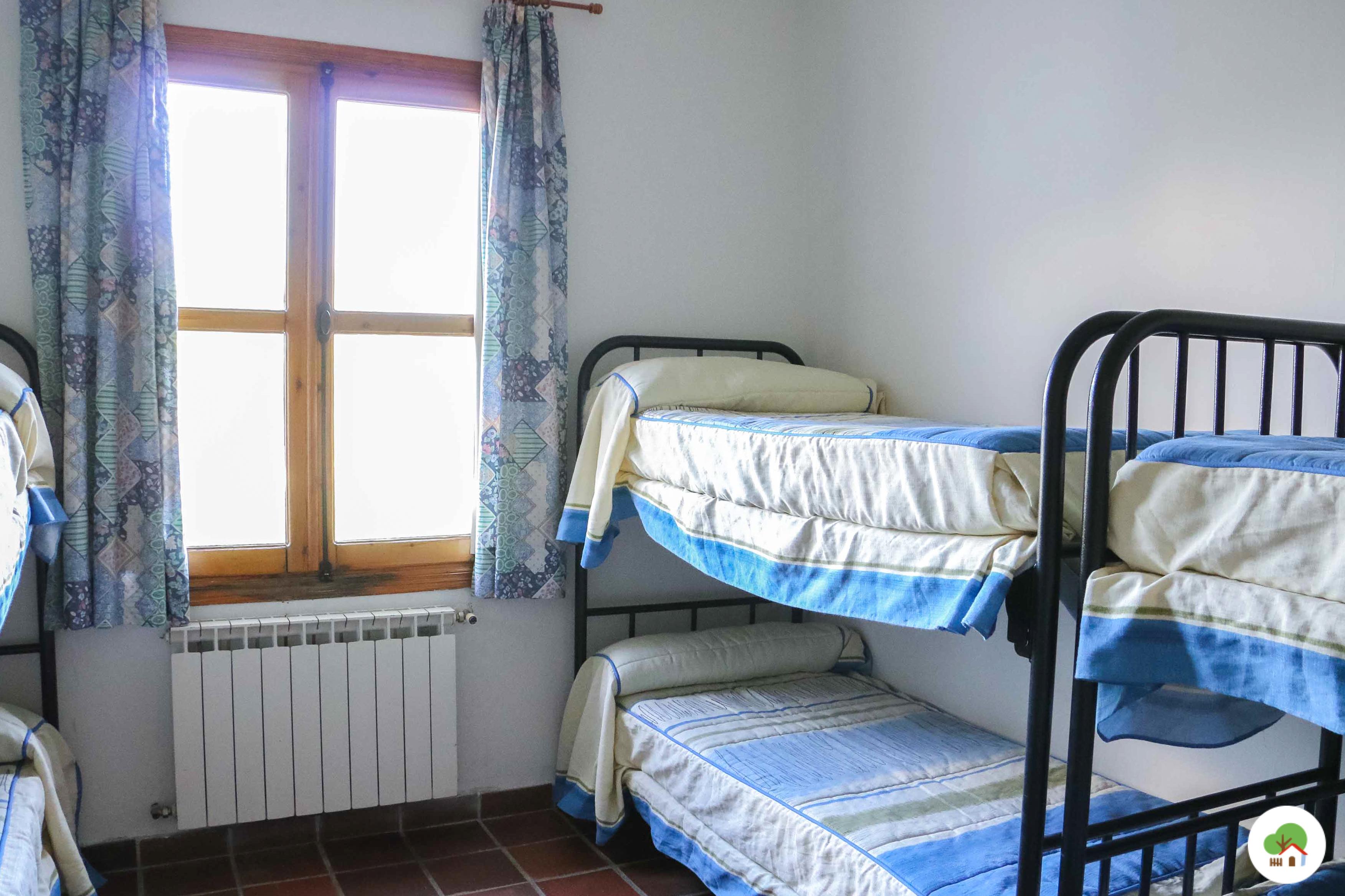 habitaciones campamento de verano albitana