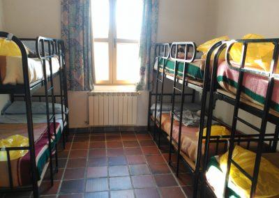 Camas con escaleras instaladas